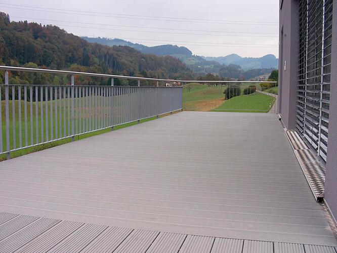 suelos de exterior sint ticos suelos de madera puertas