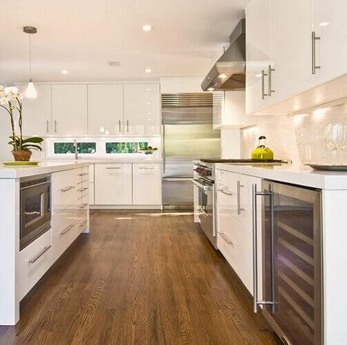 Suelos de interior de cocinas y ba os suelos de madera for Vinilos para banos y cocinas