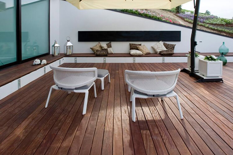Suelos de exterior de madera suelos de madera puertas for Suelo de madera terraza